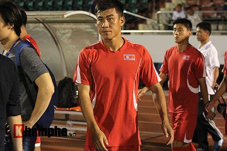 "Trieu Tien ""giau bai"" o buoi tap truoc tran gap DT Viet Nam - Anh 1"