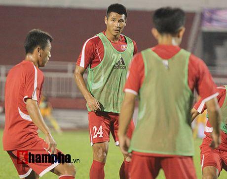 "Trieu Tien ""giau bai"" o buoi tap truoc tran gap DT Viet Nam - Anh 8"