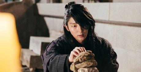 Day song vi quyet dinh cua 'hoang tu soi hoang' dep trai xu Han - Anh 1