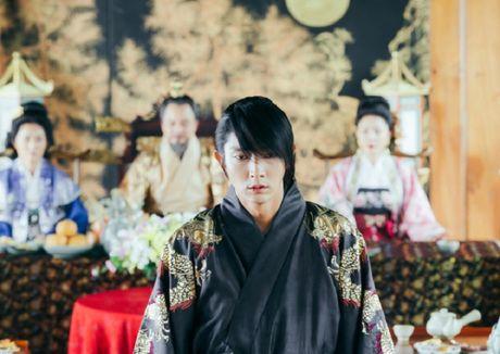 Day song vi quyet dinh cua 'hoang tu soi hoang' dep trai xu Han - Anh 4