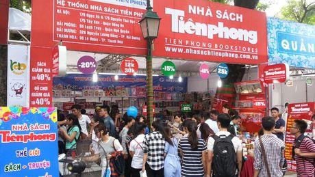 Nha sach Tien Phong tham gia su kien 'Tuoi tre Viet Dong hanh cung hang Viet' - Anh 1
