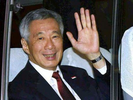 Thu tuong Singapore di xe buyt khi cong du An Do - Anh 1