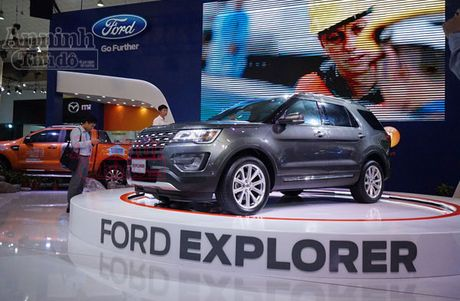 Ford Explorer 2017 trinh lang thi truong Viet Nam, gia 2,18 ty dong - Anh 1