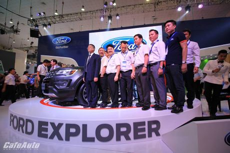 Ford Explorer 2017 ra mat khach hang Viet, gia tu 2,18 ty dong - Anh 2