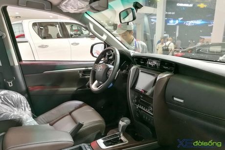 Chi tiet Toyota Fortuner moi chinh hang dau tien tai Viet Nam - Anh 14