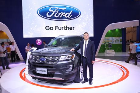 Ford Explorer trinh lang voi gia gan 2,2 ty dong - Anh 4