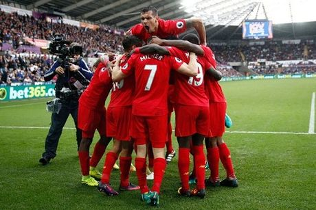 Diem tin bong da toi ngay 5/10: Nguoi Liverpool tu tin se vo dich Premier League - Anh 1