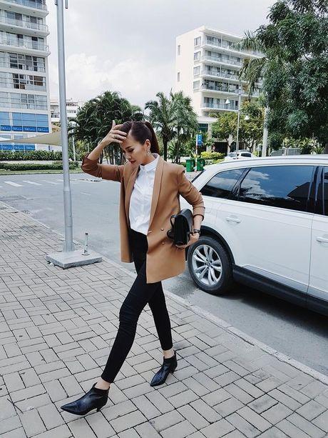 Hoc Hoang Thuy Linh va Thanh Hang mix do cho mua Thu - Anh 9