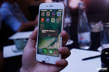 "Canh bao: iPhone 7 gia da len loi den thi truong Viet Nam, gia chi 2,5 trieu VND, chay Android ""nhai"" iOS nhu that - Anh 1"