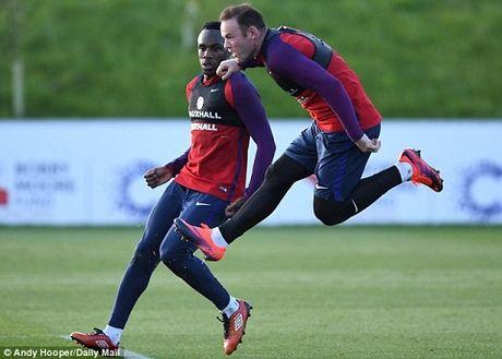 Wayne Rooney: 'Su nghiep toi con lau moi ket thuc' - Anh 2