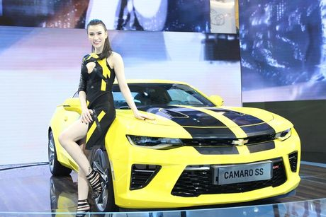 Can canh 'Ngoi sao Hollywood' Chevrolet Camaro SS 2016 tai VMS - Anh 2