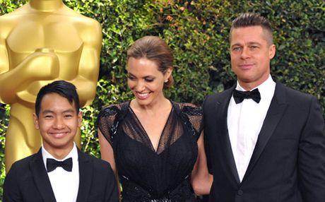 Angelina Jolie tat ta lo dieu tri tam ly cho cac con sau ly hon - Anh 4