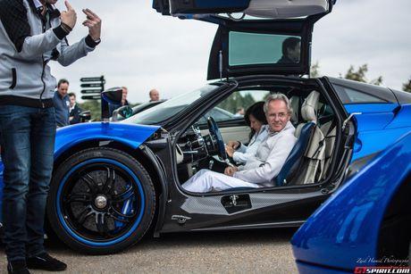 'Cha de' cua sieu xe Pagani Huayra hoa ra la 'fan cuong' cua Porsche - Anh 6
