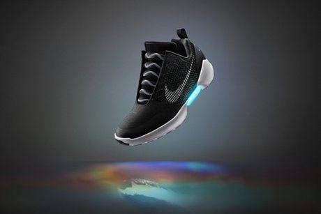 Nike sap tung ra giay thong minh tu buoc day - Anh 2