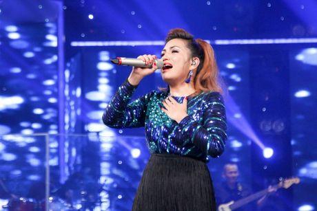 Du luan noi gi khi co gai ngoai quoc dang quang Viet Nam Idol? - Anh 1