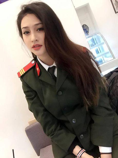 Nu cong an khien cong dong mang san lung thong tin vi qua xinh dep - Anh 2