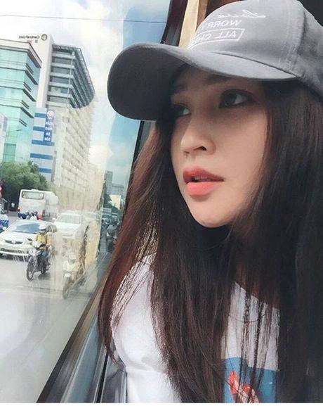 Nu cong an khien cong dong mang san lung thong tin vi qua xinh dep - Anh 3