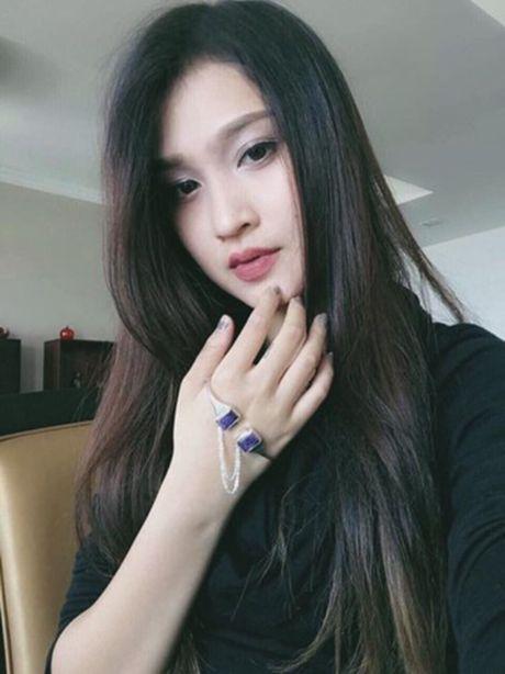 Nu cong an khien cong dong mang san lung thong tin vi qua xinh dep - Anh 4