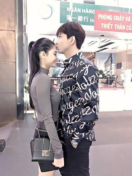 "Khai Anh ""dim hang"" ba xa nhan ngay sinh nhat Dan Le - Anh 9"