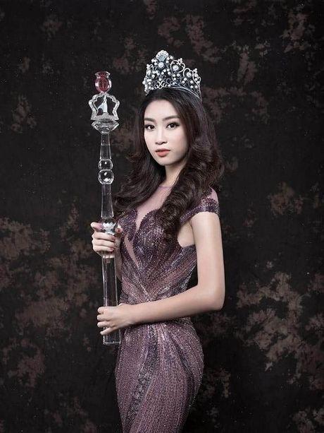 Hoa hau Do My Linh yeu kieu nhung day ma mi trong bo hinh moi - Anh 1