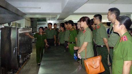 "Cong doan Tong cuc Chinh tri CAND ""ve nguon"" tai Quang Nam - Anh 11"