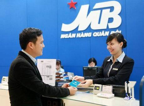 MBBank duoc chap thuan tang von dieu le len 17.127 ty dong - Anh 1