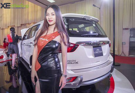 Kham pha SUV dac biet Isuzu mu-X Limited gia 990 trieu dong - Anh 13