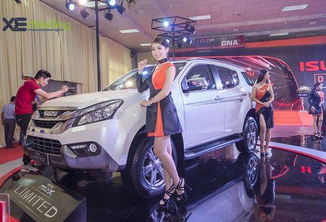Kham pha SUV dac biet Isuzu mu-X Limited gia 990 trieu dong - Anh 2