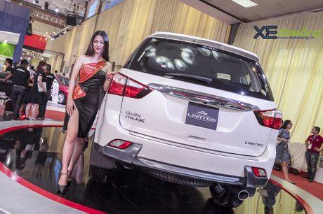 Kham pha SUV dac biet Isuzu mu-X Limited gia 990 trieu dong - Anh 5