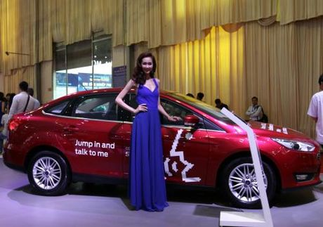 Man nhan voi dan 'xe doc' tai Viet Nam Motor Show 2016 - Anh 11