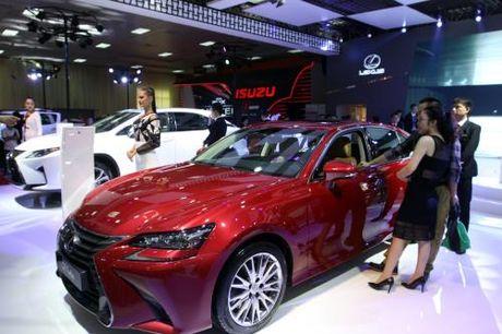Man nhan voi dan 'xe doc' tai Viet Nam Motor Show 2016 - Anh 4