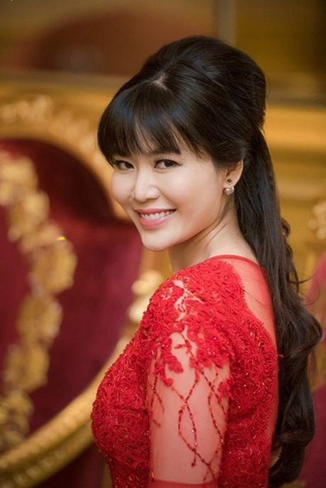 Nhan sac Hoa hau Thu Thuy sau 22 nam dang quang - Anh 13