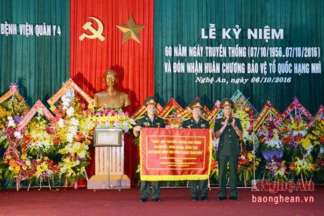Benh vien Quan y 4 don nhan Huan chuong Bao ve To quoc - Anh 4