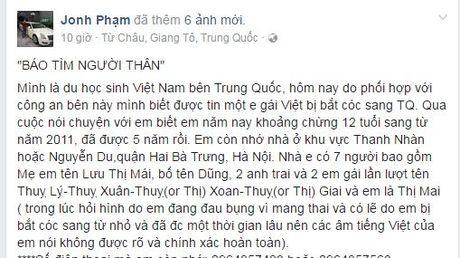 Cu dan mang rao riet tim nguoi nha cho be gai Ha Noi sau 5 nam bi bat coc sang Trung Quoc - Anh 1