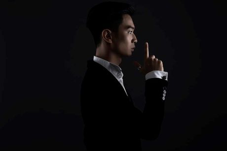Slim V ra mat 'sieu pham' ket hop cung giong hat The Voice Duc - Anh 2