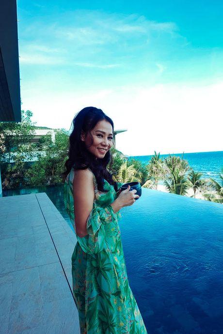 Thu Minh bieu cam 2 sac thai doi lap trong MV rung ron vua ra mat - Anh 10