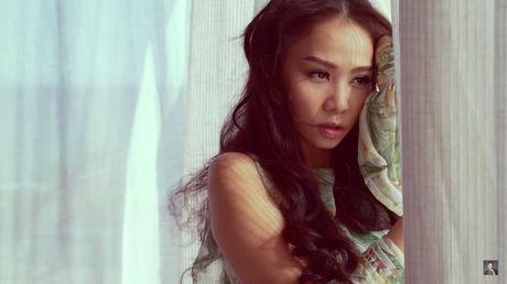 Thu Minh bieu cam 2 sac thai doi lap trong MV rung ron vua ra mat - Anh 12