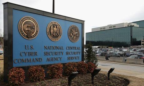 Nhan vien NSA bi bat vi danh cap thong tin toi mat - Anh 1