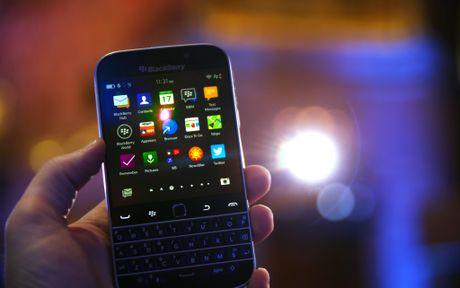 'Dien thoai BlackBerry se khong bien mat' - Anh 1