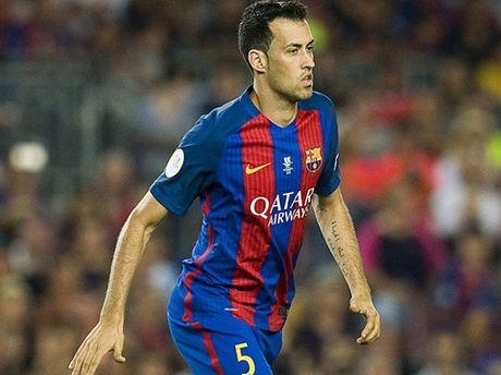Barcelona: Chua bao gio Sergio Busquets mac nhieu sai lam den the - Anh 1