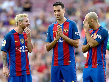 Barcelona: Chua bao gio Sergio Busquets mac nhieu sai lam den the - Anh 2