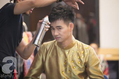 Vo con miet mai cho Xuan Bac dien den dem muon - Anh 1