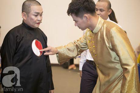 Vo con miet mai cho Xuan Bac dien den dem muon - Anh 3