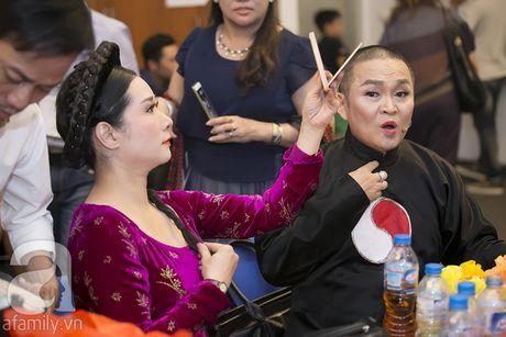 Vo con miet mai cho Xuan Bac dien den dem muon - Anh 6