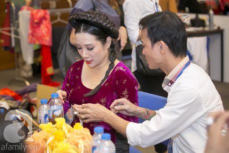 Vo con miet mai cho Xuan Bac dien den dem muon - Anh 7