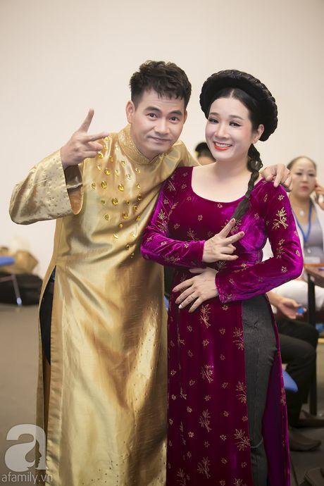 Vo con miet mai cho Xuan Bac dien den dem muon - Anh 8