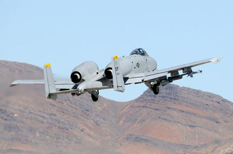 Suc manh cuong kich 'lon loi' A-10 Thunderbolt II - Anh 11