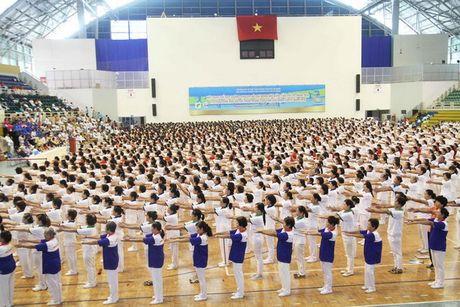 Vinamilk dong hanh to chuc giai 'The duc duong sinh mo rong' - Anh 1