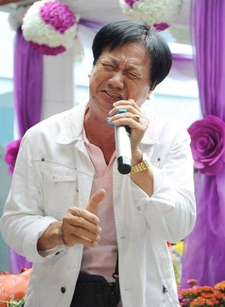 Nguoi yeu cu khoc nuc no khi ve nuoc vieng Le Cong Tuan Anh - Anh 9