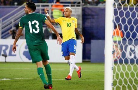 Vong loai World Cup 2018: Brazil, Uruguay dai thang, Argentina va Chile lam nguy - Anh 3